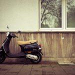 Waarom zou je een scooter kopen als je jong bent?